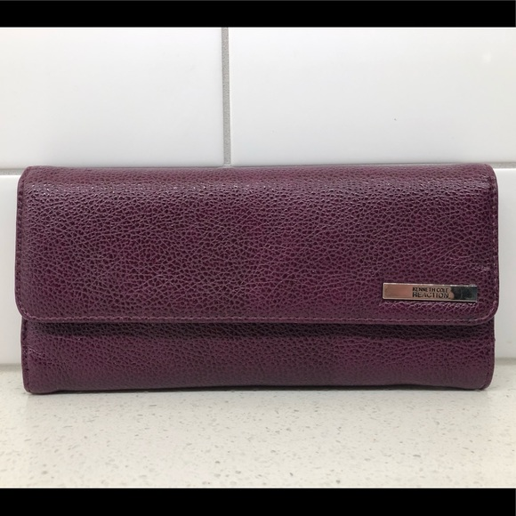 2/$18🌸 Kenneth Cole Reaction Wallet